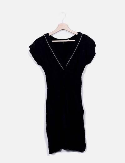 Vestido negro escote pico Kookaï