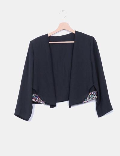 Conjunto chaqueta y maxi vestido negro bordados multicolor