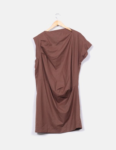 Vestido midi camel corte recto