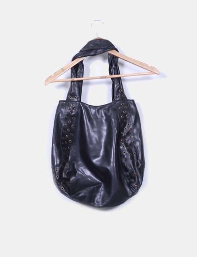 Bolso negro troquelado