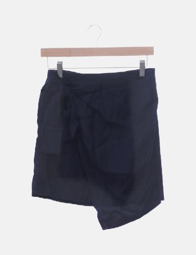 Falda azul marino con lazo