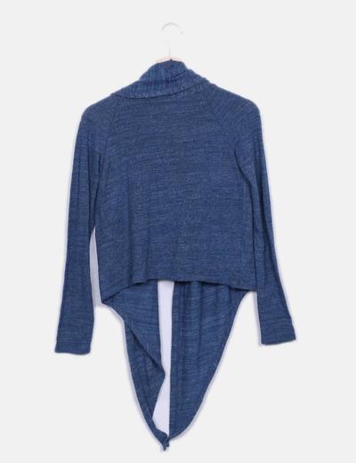 Chaqueta tricot corta azul con capucha
