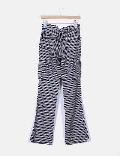 Pantalon estampado blanco y negro con bolsillos