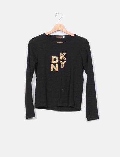 Camiseta negra print letras 100%Caramelos