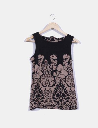 Camiseta negra con estampados geometricos Elogy