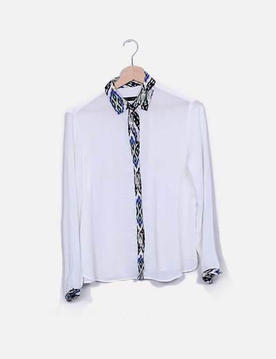 Camisa gasa color crudo solapas estampadas Zara
