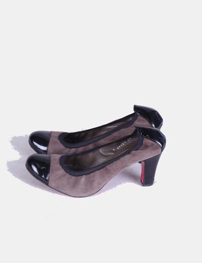 Zapato combinado negro y color topo Ursula Mascaró
