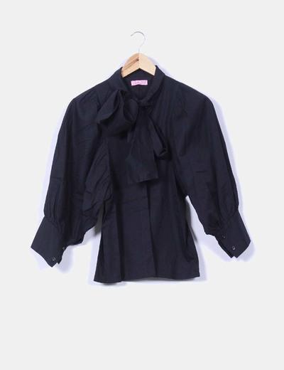 Camisa negra mangas abullonadas Opullence