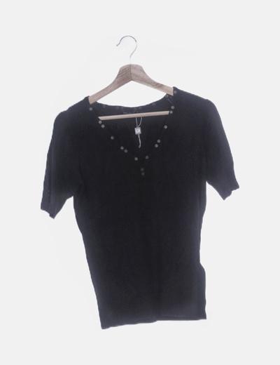 Top negro tricot con tachas