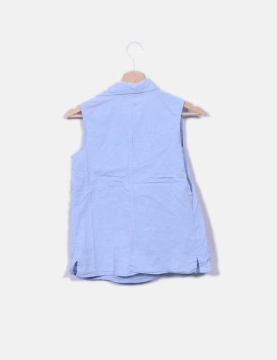 Camisa azul sin mangas