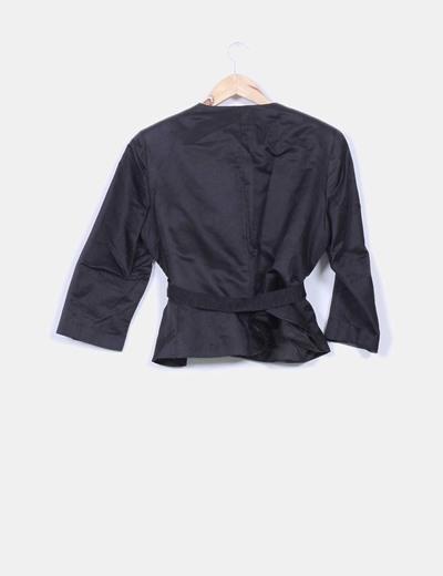 Kimono estructura negra