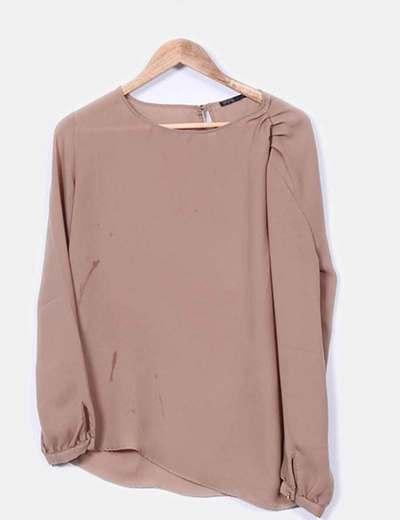 Blusa básica camel  Zara