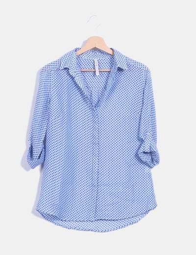 Camisa azul estampado estrella Stradivarius