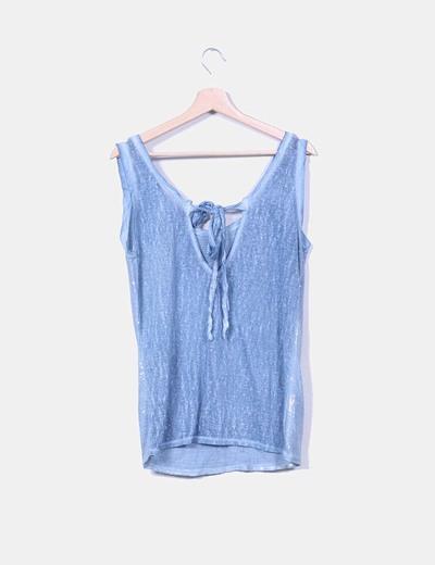Camiseta azul combinado con lentejuelas