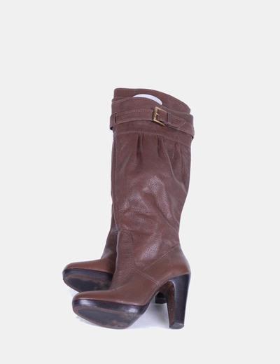 Botas altas marrón con hebilla Zara