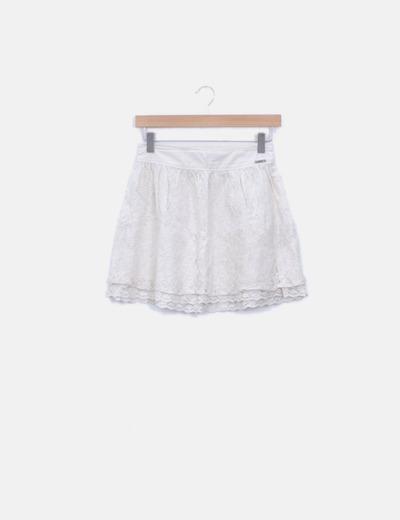 Falda de encaje cruda