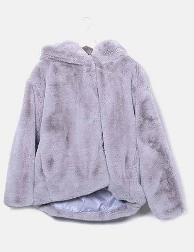 Chamarra pelo gris con capucha
