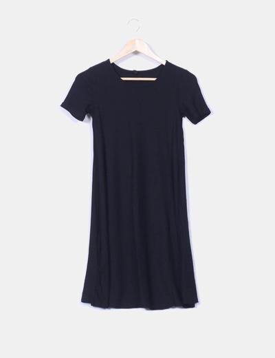 Vestido negro en stradivarius