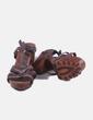 Sandalia marrón con tacón Bata