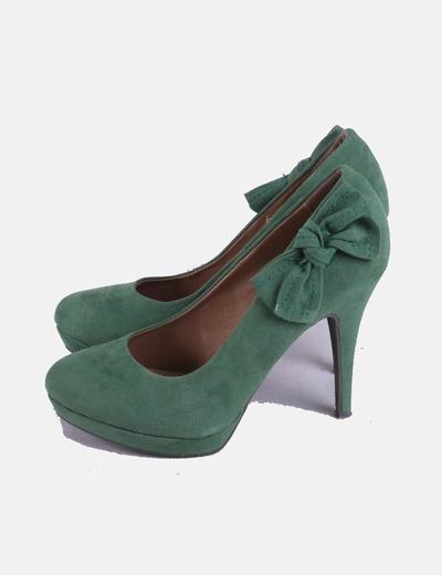 Zapatos salón verde con lazo