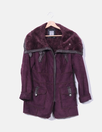 Manteau violet avec moutons à l'intérieur Stradivarius