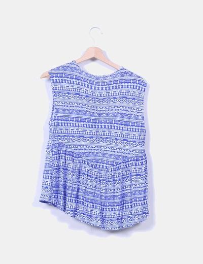 Blusa estampada azul klein con borlas
