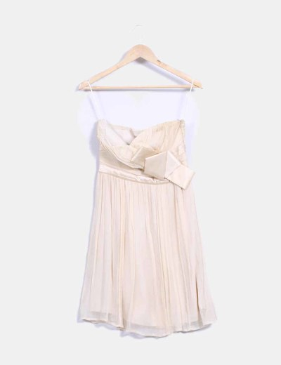 Vestido de seda beige escote corazón Mango