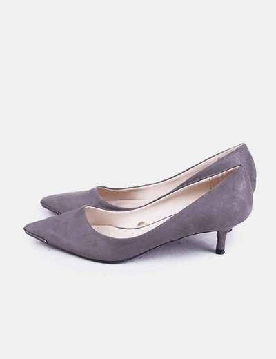 Zapato gris tacón