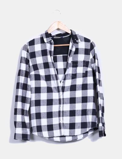 53ed1af5c9 Zara Camisa blanca y negra de cuadros (descuento 78%) - Micolet