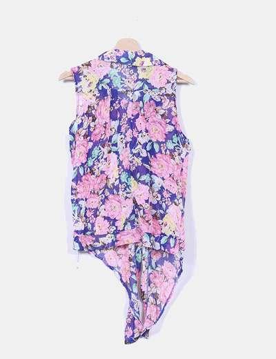 Blusa floral detalle nudo