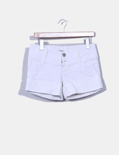 Short blanco con dobladillo Roxy