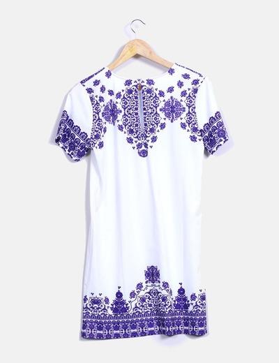 Vestido blanco y azul estampado
