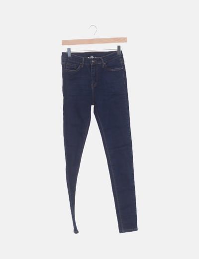 Jeans oscuros pitillo