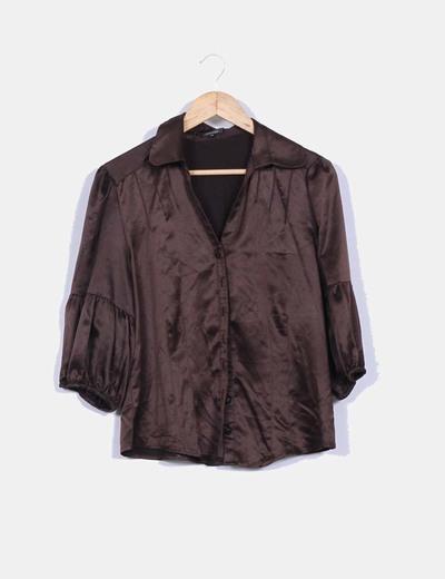 Camisa marrón satinada mangas abullonadas Elogy