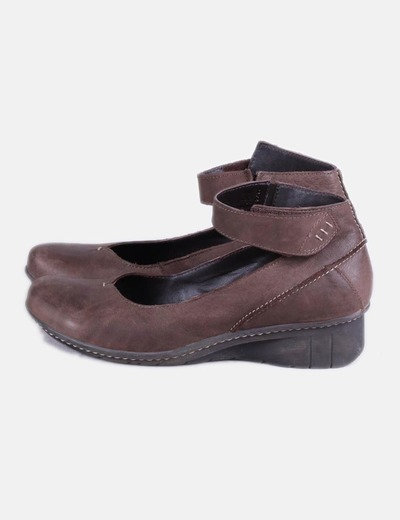 Zapato cuña marron