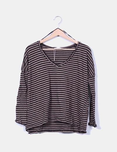 Camiseta marrón y negra de rayas Zara