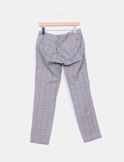 Pantalon cuadros grises