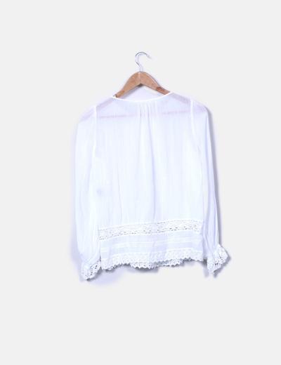 Blusa curda detalle crochet