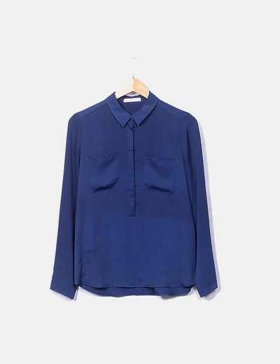 Blusa azul con botones