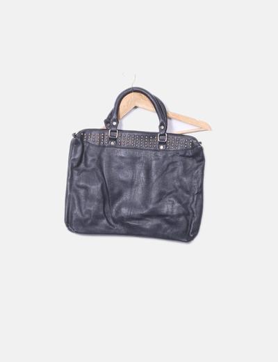 Bolso polipiel negro con tachas