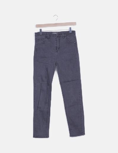 Jeans skinny negro efecto desgastado