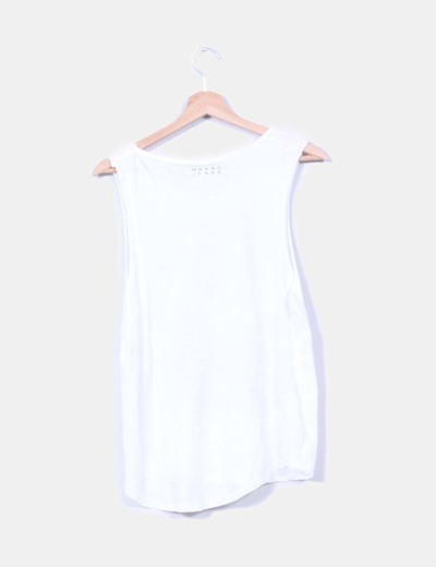 Camista blanca print lobo con tachas