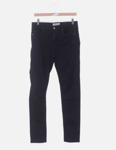 Pantalón pitillo negro