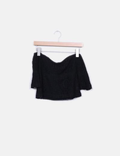 Top crop crochet negro cuello barco NoName