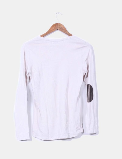 Camiseta beige con coderas