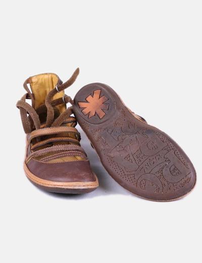 Zapatos planos con tiras
