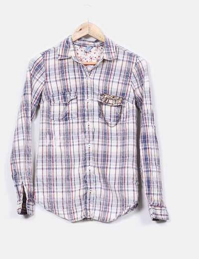 Camisa a cuadros  detalle metálico  Zara