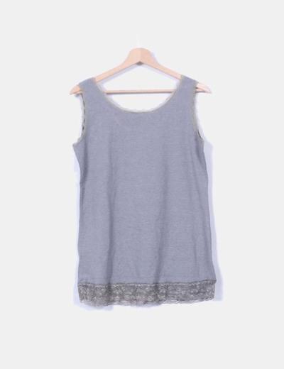 Camiseta gris tirantes blonda