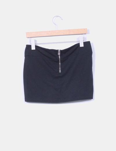 Mini falda negra cremallera trasera