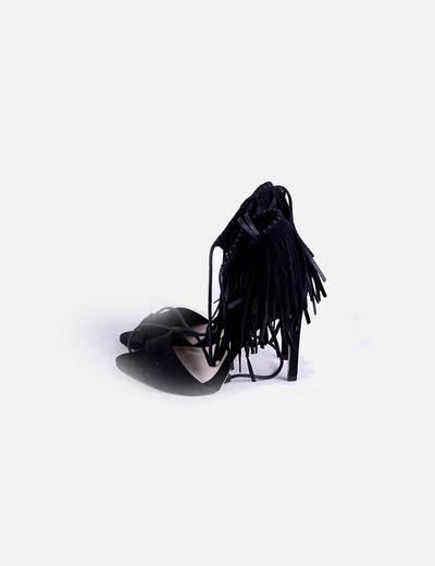 Sandalias negra con flecos lace up Zara